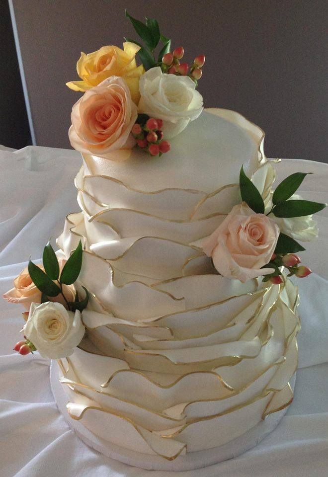 Hello And Welcome To Christines Cake Creations I Am A Licensed Government Inspected Residential Bakery Specialize In Elegant Wedding Cakes
